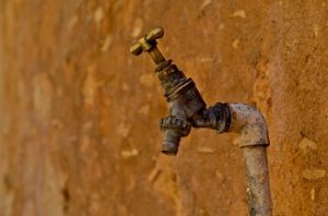 Look for Plumbing Problems When Buying a House